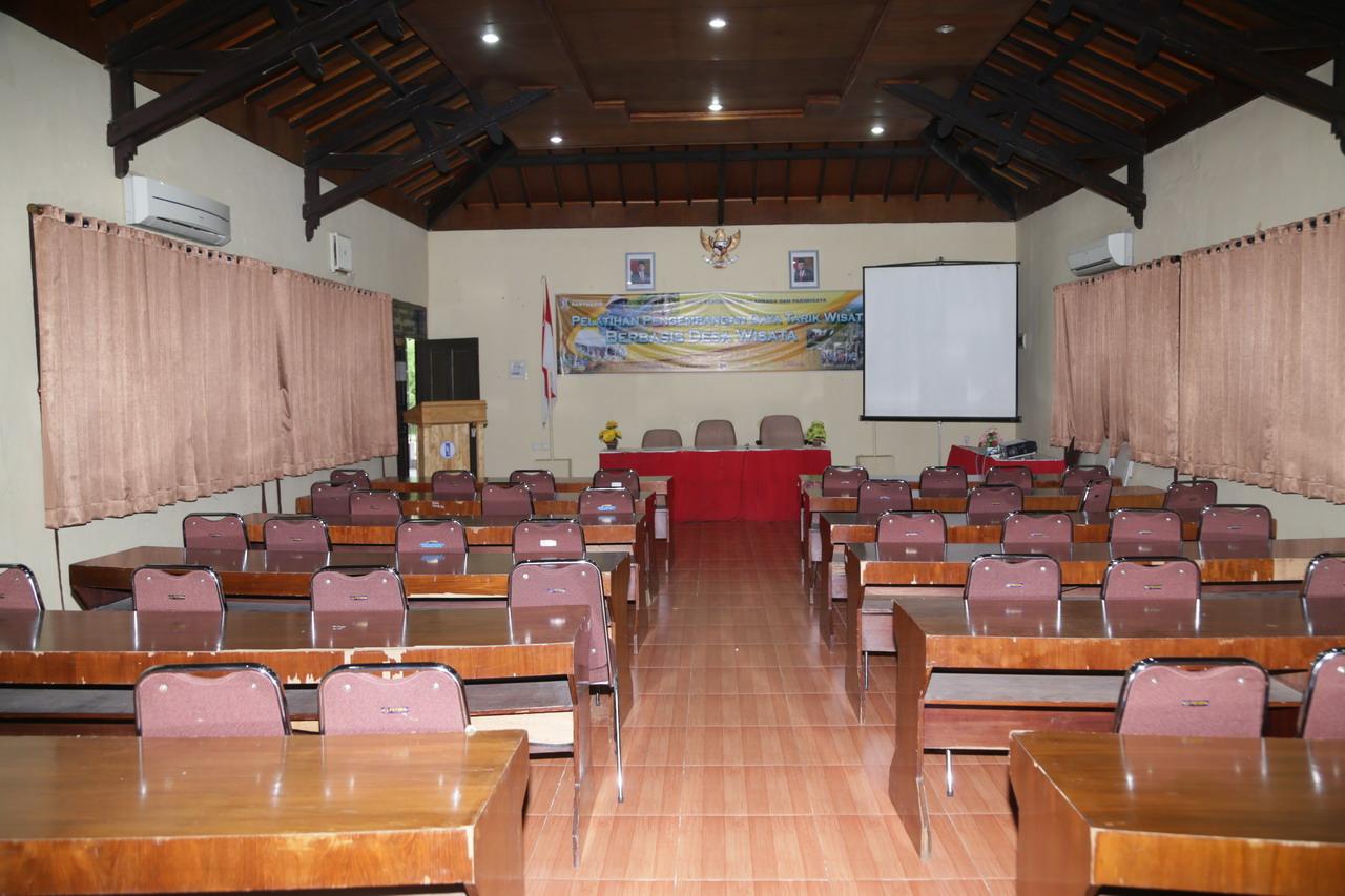 Meeting Room ( 50 Orang )